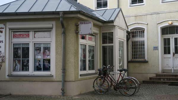 Schicker Hofpavillion an  Berliner  Allee