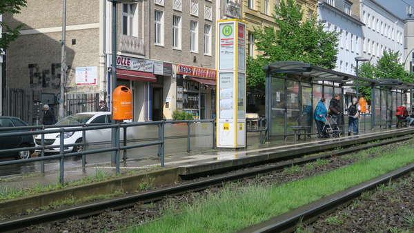 Kleinladen in Lauflage Berliner Allee