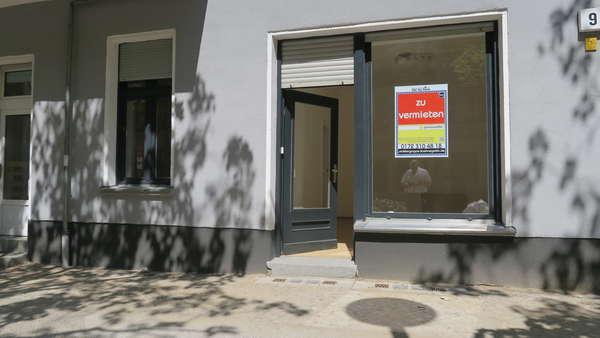 PrenzBerg:  Tip-Top Ladenbüro