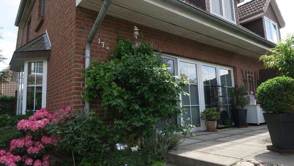 Grünes Velten! Gepflegte 4-Zi-Doppelhaushälfte  mit pflegeleichtem Garten
