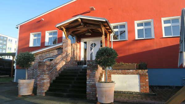 Viel Platz - Gewerbeimmobilie  (Gebäude  u. Grundstück) im Havelland