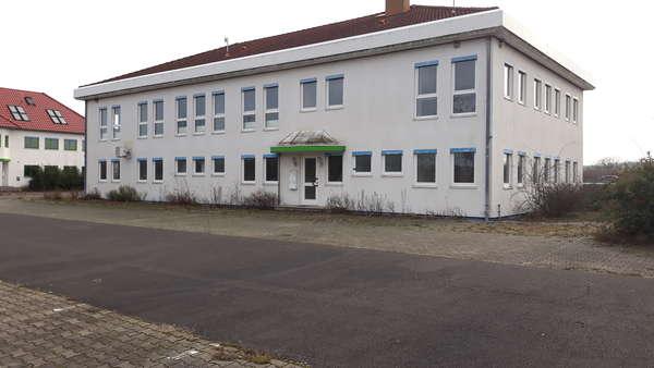 Rasante Lage! Büro|Verwaltungsgebäude an der  A2