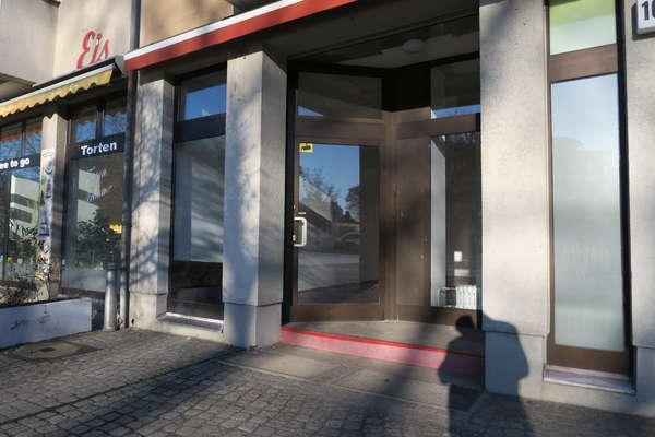 Kleiner Platzhirsch - Neubau Ladenbüro im Berliner Norden