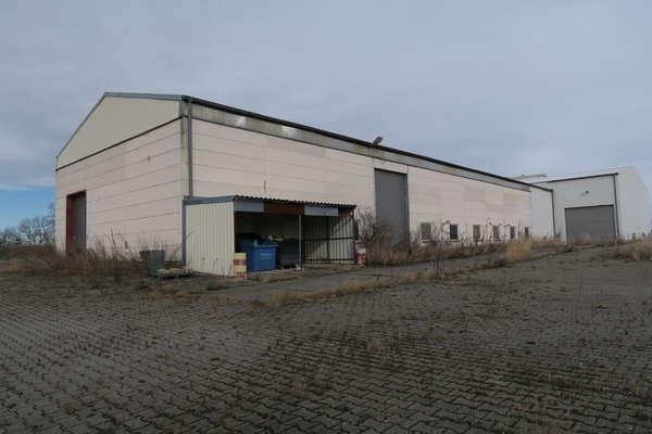 Landluft! Große Gewerbeimmobilie mit Lager und Freiflächen