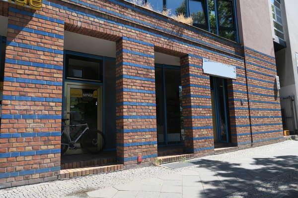 Sichtweite Postdamer Platz: schniekes Ladenbüro