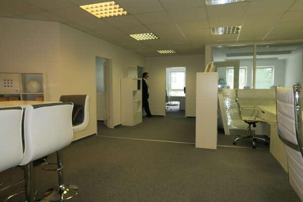 Mit-Nutzungsbüro in Adlershof (auch zur  Kurzzeitnutzung)