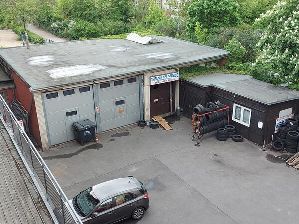 Service-Lager auf Gewerbehof
