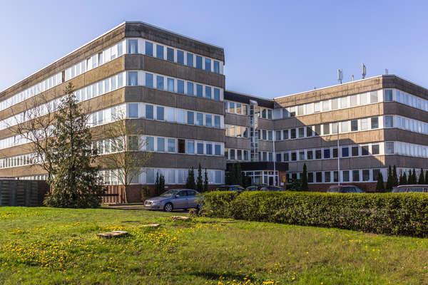 Überflieger !  Moderne  Büros  in Schönefeld