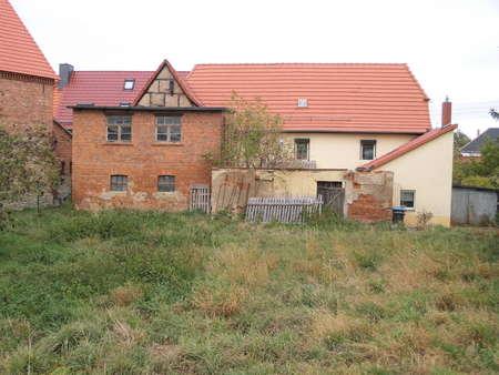Grundstück nahe Aschersleben mit kleinem Bauernhaus  zur grundhaften Sanierung